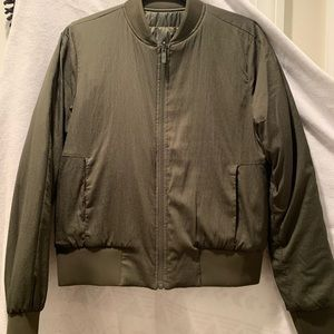 Lululemon reversible down bomber - olive